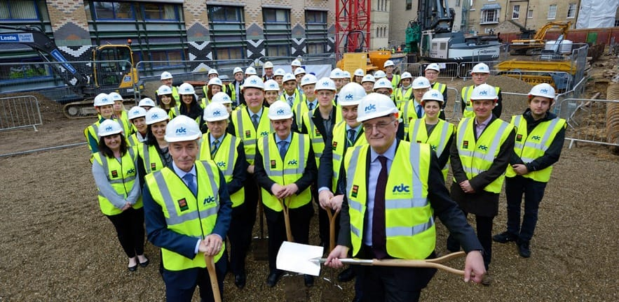 CJBS Director Christoph Loch and University VC Sir Leszek Borysiewicz break ground at the School's building site